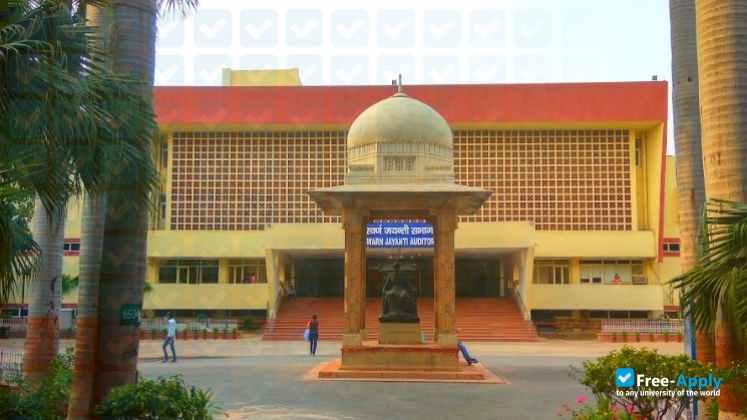 Lady-Hardinge-medical-college